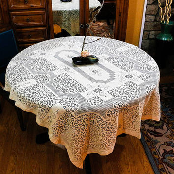 Ecru Lace Tablecloth, Beige Knotted Lace Tablecloth, Quaker Lace Style, Floral Motif, Shabby Chic, Cottage Chic, Weddings, Vintage Linens