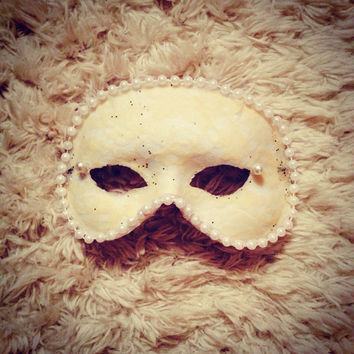 Pearl and Lace Mardi Gras Masquerade Mask