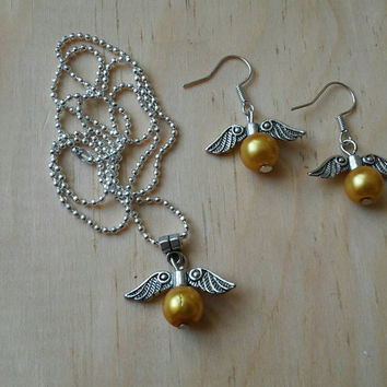 Winged Golden Ball Set