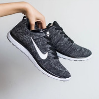 Black Breathable Sneakers Sport sneakers shoes