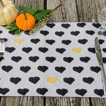 """DaDa Bedding Lovely Black and Yellow Hearts Placemats, Set of 4 Tapestry 13"""" x 19"""" (18113)"""