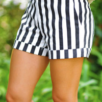 Let's Take A Time Out Shorts: Black/White | Hope's
