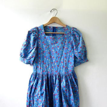 20% OFF SALE. vintage Laura Ashley dress • 90s floral dress • festival peasant dress