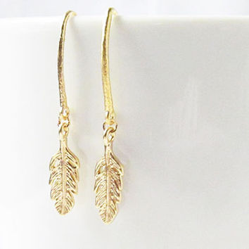 tiny feather earrings, gold feather earrings, feather jewelry, pull through earrings, minimalist earrings,feather earings