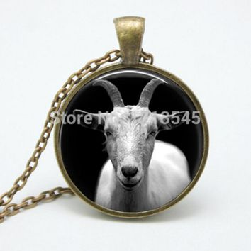 Vintage Goat fashion Glass pendant Necklaces Jewelry handmade necklace for girl animal necklace jewelry FTC-N84