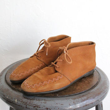 Vintage 80s Soft Suede Caramel Brown Booties // Women's Boho Ankle Boots Sz 8
