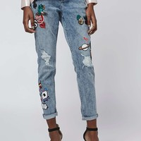 TALL Badged Lucas Boyfriend Jeans - Topshop