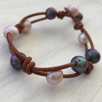 Leather freshwater pearl bracelet, pearls on leather, blush pearl, pearl and leather,pink pearls, pearls