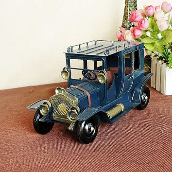 Vintage Black FORD Classic Cars Model Car Handmade Metal Car Models Crafts Decoration Clothing Store Props 26CM