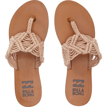 Billabong - Setting Free Sandals | Sweet Sands