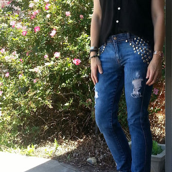 Studded Distressed Jeans Women's size 6  Skinny Jean
