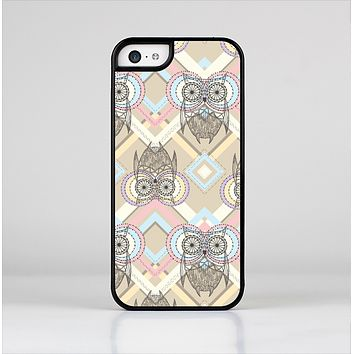 The Vintage Abstract Owl Tan Pattern Skin-Sert for the Apple iPhone 5c Skin-Sert Case
