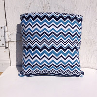 Chevron quillow, quilted throw blanket, lap quilt, car blanket