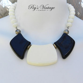 Vintage 40s CELLULOID Flat And Round Bead Necklace, White And Black Bead Choker/Necklace