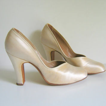 Vintage Ivory Silk Wedding Pumps