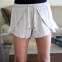 Casual Shorts in Taupe