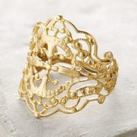 Vanessa Lianne Gilded Lace Ring in Gold Size:
