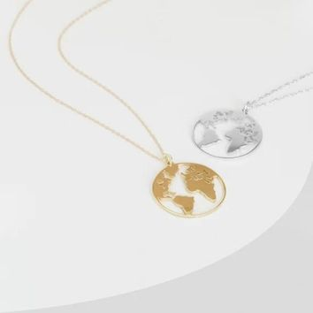 Globe World Map Necklace Gift For Best Friends Hollow Out Earth Pendants Personalized Fashion Travel Trip Necklace Best jewelry