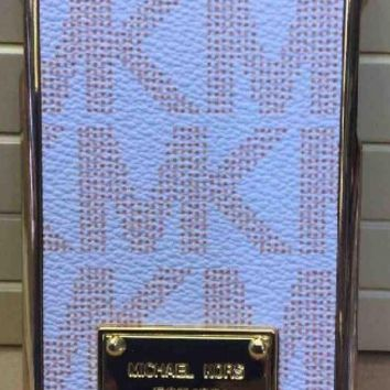 "New MK Designer iPhone 6 4.7"" Case White With Gold Trim Retail Box And Tags (Discontinued By The Manufacturer)"
