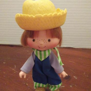 vintage 1980's strawberry shortcake huckleberry pie doll