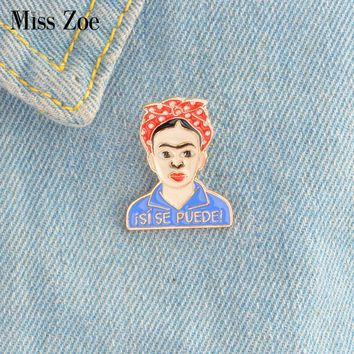 isi se puede! Woman Painter enamel pin Classic Frida style badge brooches Gift Artist icons Denim Jacket coat dress Button Pin