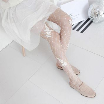 1Pc 2017 New Women Sexy Lace Fishnet Mesh Embroidery Pantyhose Flower Black White Floral Tights Stockings