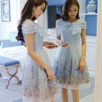 ART SHORT - SLEEVED BOW EMBROIDERY DRESS