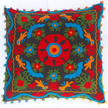 Decorative Pillow Cases Hand Embroidered Uzbekistan Style Suzani Cushion Cover With Pom Poms Christmas Decor Living room decor Cotton canvas