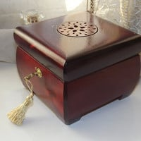 Lock Box. LOCKABLE Wooden Jewellery Lock Box. Can be personalised. Wood lock and key box. Keepsake box. Trinket box.