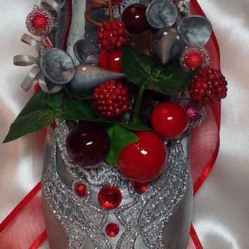 Nutcracker mouse decorated pointe shoe. Nutcracker ballet gifts. Custom designs available.