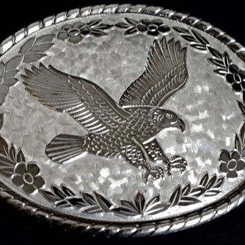 Western Silver Eagle Belt Buckle- Large Oval Pewter Tone Unisex Buckle for 1.5 Inch Wide Belt, Soaring Eagle on Hammered Metal with Flowers