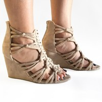 La Vida Coco Wedges in Tan