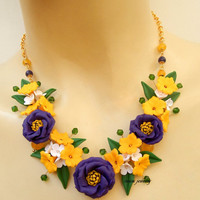 Violet jewelry - Flower necklace - Lisianthus - Spring jewelry - Jade jewelry - Handmade polymer jewelry