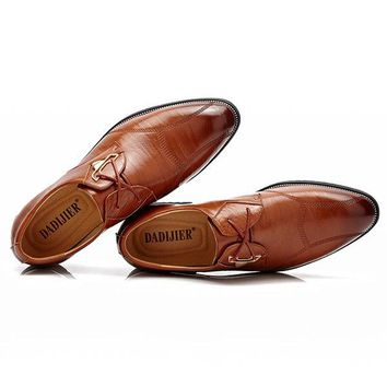 Men Vintage British Style Pointed Toe Business Casual Lace Up Dr