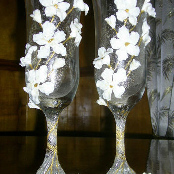 Wedding Glasses, Set of 2 Toasting Glasses White Flowers made out of polymer clay