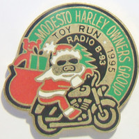 Harley Davidson Toy Run Pin Modesto Harley Owners Group Motor Cycle Club Christmas Biker Accessories