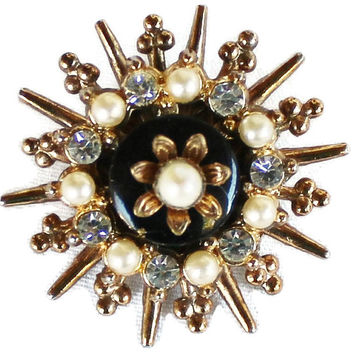 Vintage Starburst Flower Brooch Pin In Gold Tone With Faux Pearls And Clear Rhinestones