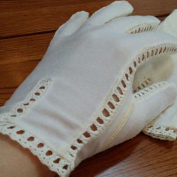 Vintage White Cream Ladies Wrist Gloves With Crochet Peek Detail Great for Spring Easter Costume Cosplay Photo Prop Decor