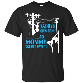 Daddy's woking the pole So Mommy doesn't have to - Linema
