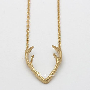 antler necklace, antler deer, deer necklace, reindeer necklace, rein deer, deer, antler, christmas gift, winter jewelry