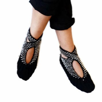 Black Slippers, Hand knit women house slipper, with grey beads, Traditional Turkish Design, Home Slippers, Womens crochet shoe