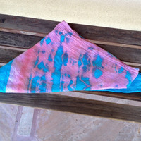Tie dye cotton scarf, Blue and Pink Triangle Shawl, hand dyed handmade light cotton wrap, Vintage fashion, Hipster Girl Scarf