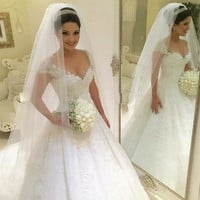 Sexy Ball Gown Princess Plus Size Wedding Dress 2017 Bride Gown Appliques Lace Wedding Dress Vestido De Noiva Vintage Casamento