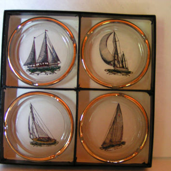 Super Vintage 1960's Retro Viking Glass Company Boxed Set of 4 Sailing Ships Ashtrays Perfect for Nautical or Maritime Decor