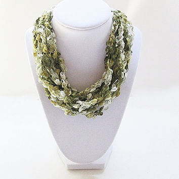 Ladder Yarn Necklace, Trellis Yarn Necklace, Ribbon Yarn Necklace, Green And White