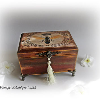 Vintage Insect Box. Personalized Jewelry Box. Shabby chic Insect Box. Rustic Trinket Box. Personalized Gift Box. Antique Decoupage Box.