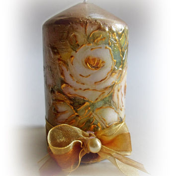Decorated Candle. Christmas decorations. Gold Christmas. Vintage Christmas. Santa Claus . Gold Candle. Decoupaged Candle.
