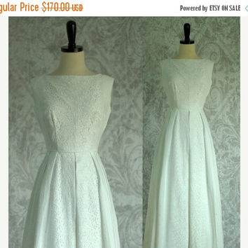 Vintage 1970s Wedding Dress White Maxi Dress White Eyelet Dress White Cotton Dress 70s Maxi Dress Sleeveless Wedding Dress Extra Small XS