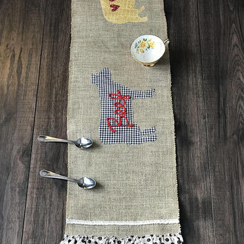 Burlap Table Runner, Modern Rustic Home Decor, Wedding Table Runner, Farmhouse Runner Bridal Shower gift, wedding gift, kitchen table decor