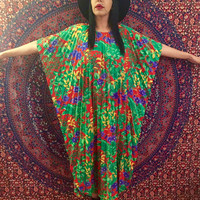 Vintage 60s Red Floral Print Sand Pebble of Hawaii Accordian Kaftan Batwing Sleeves One Size Fits Most
